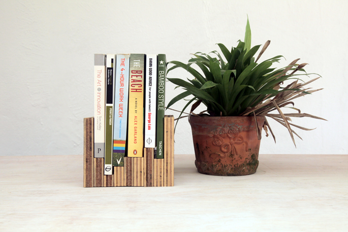 2 Hour DIY: Book Stand Display
