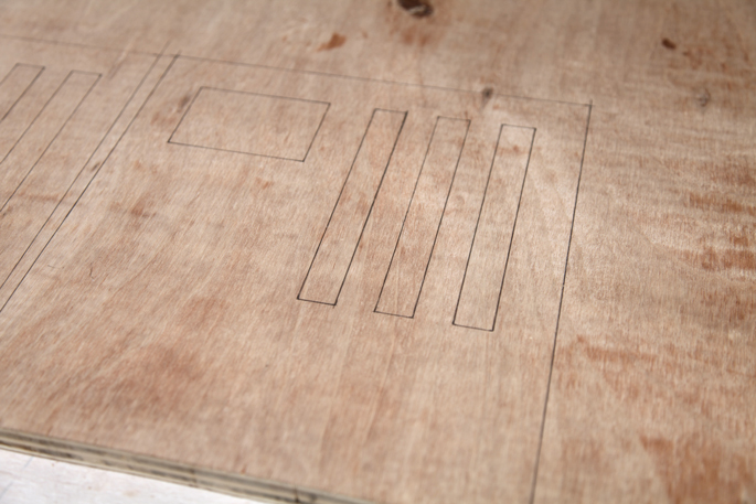 DIY Organization Bloks Made Out of Plywood: Bedroom and Desk Editions - STEP 4 Tracing the template