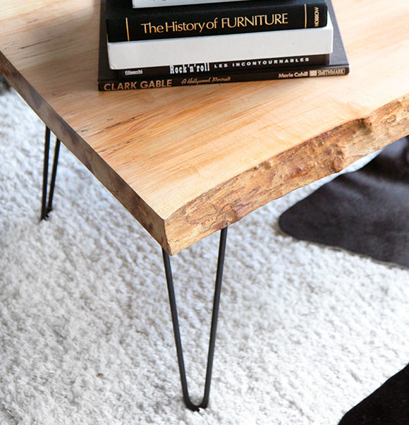 One Day Builds: 9 Simple and Easy DIY Projects Using Hairpin Legs: #5 A hairpin leg coffee table