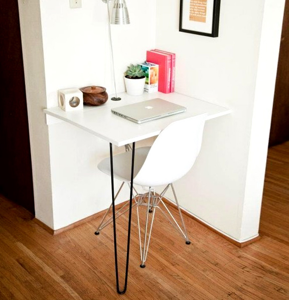 One Day Builds: 9 Simple and Easy DIY Projects Using Hairpin Legs: #6 Solo hairpin leg desk
