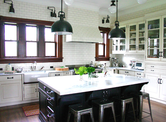 21 Kitchen Backsplash Ideas and Design Tips || The Ultimate Creative Guide: #8 Subway tile kitchen backsplash