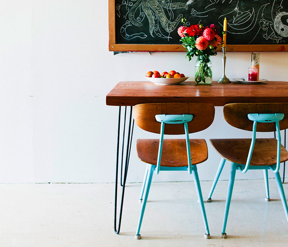 One Day Builds: 9 Simple and Easy DIY Projects Using Hairpin Legs: #9 A hairpin leg dining table