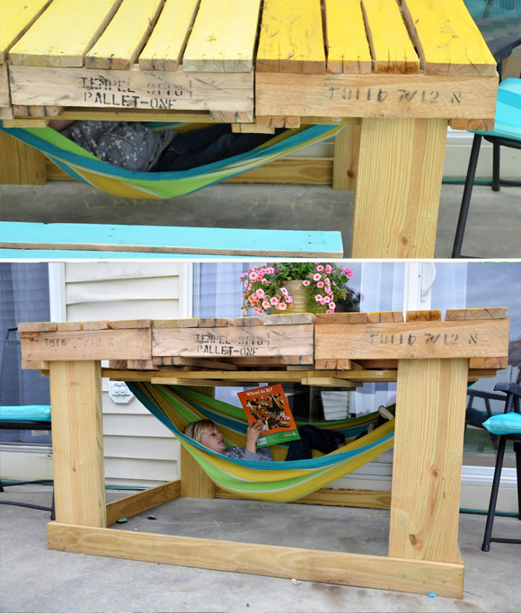 Is That a Pallet Swimming Pool? 24 DIY Pallet Outdoor Furniture Creations and Big Builds: #15 A mini outdoor reading room