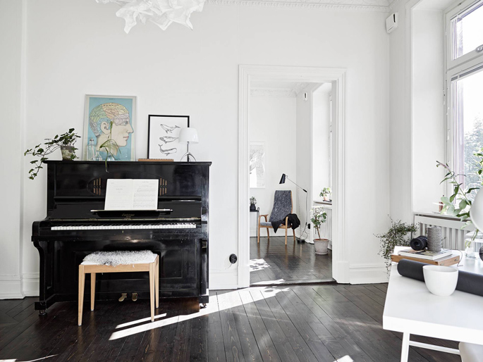 PASSPORT: Scandinavian Hardwood Floor Apartment Tour - Piano room