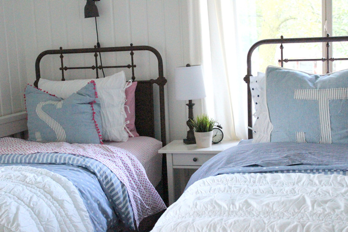 PASSPORT: Before and After Minnesota Farmhouse Cabin Renovation and Makeover Tour - Farmhouse bedroom design