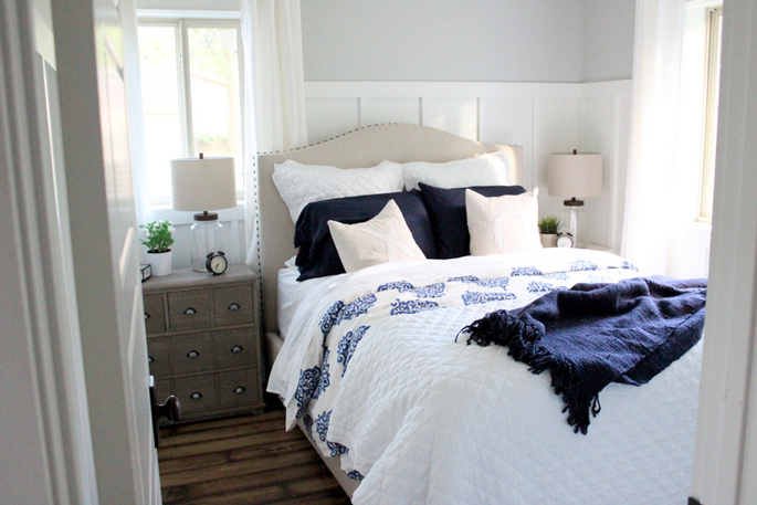 PASSPORT: Before and After Minnesota Farmhouse Cabin Renovation and Makeover Tour - Cozy cottage style bedroom
